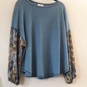 Hummingbird Thermal waffle knit top bell sleeves S